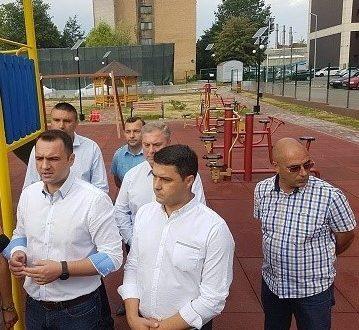 Targoviste: Au fost finalizate lucrarile si la locul de joaca din microraionul. nr VI, strada Arcasilor