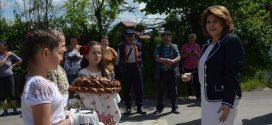 Rovana Plumb, candidat la alegerile europarlamentare si presedinte PSD Dambovita, a vizitat mai multe obiective de investitii din localitatea  Sotanga