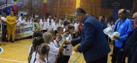 "Tinerii damboviteni incurajati sa  faca  miscare prin proiectul  ""Fii activ, fii sportiv!"""