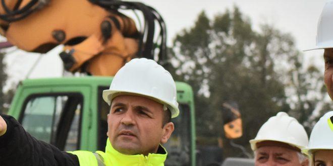 Primarul Targovistei, Cristian Stan –  vizita  in teren pe santierul care vizeaza  construirea viitoarei autogari principale a municipiului